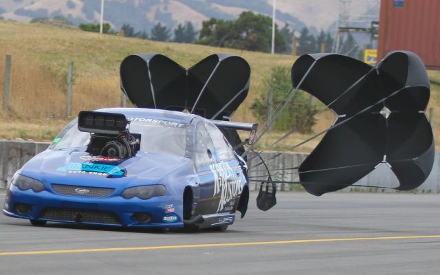 Nigel Dixon wins round two of the 2019 Kiwi Thunder Series at Masterton