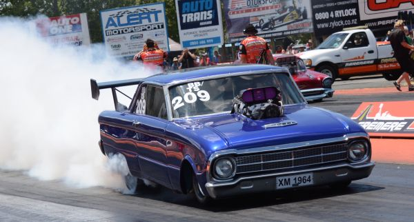 Bobby Owens broke the national BB/TS record at The Rock FM 2015 Nitro Shootout